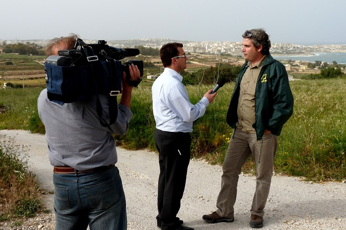 The press in the field: an interview with a Maltese evening news