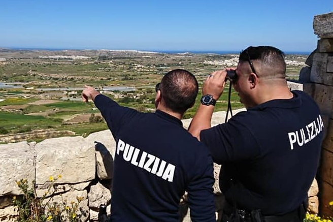 Police mission against illegal bird-trapping in Malta